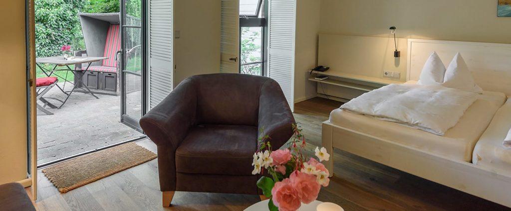 Wellnesshotel NAKUK: Das Doppelzimmer mit Terrasse